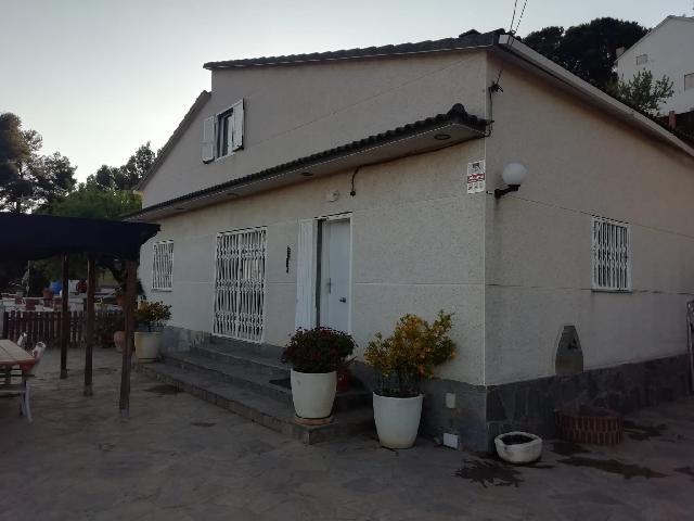Imagen 1 Inmueble 248492 - Casa Aislada en venta en Piera / Urbanización Can Mata