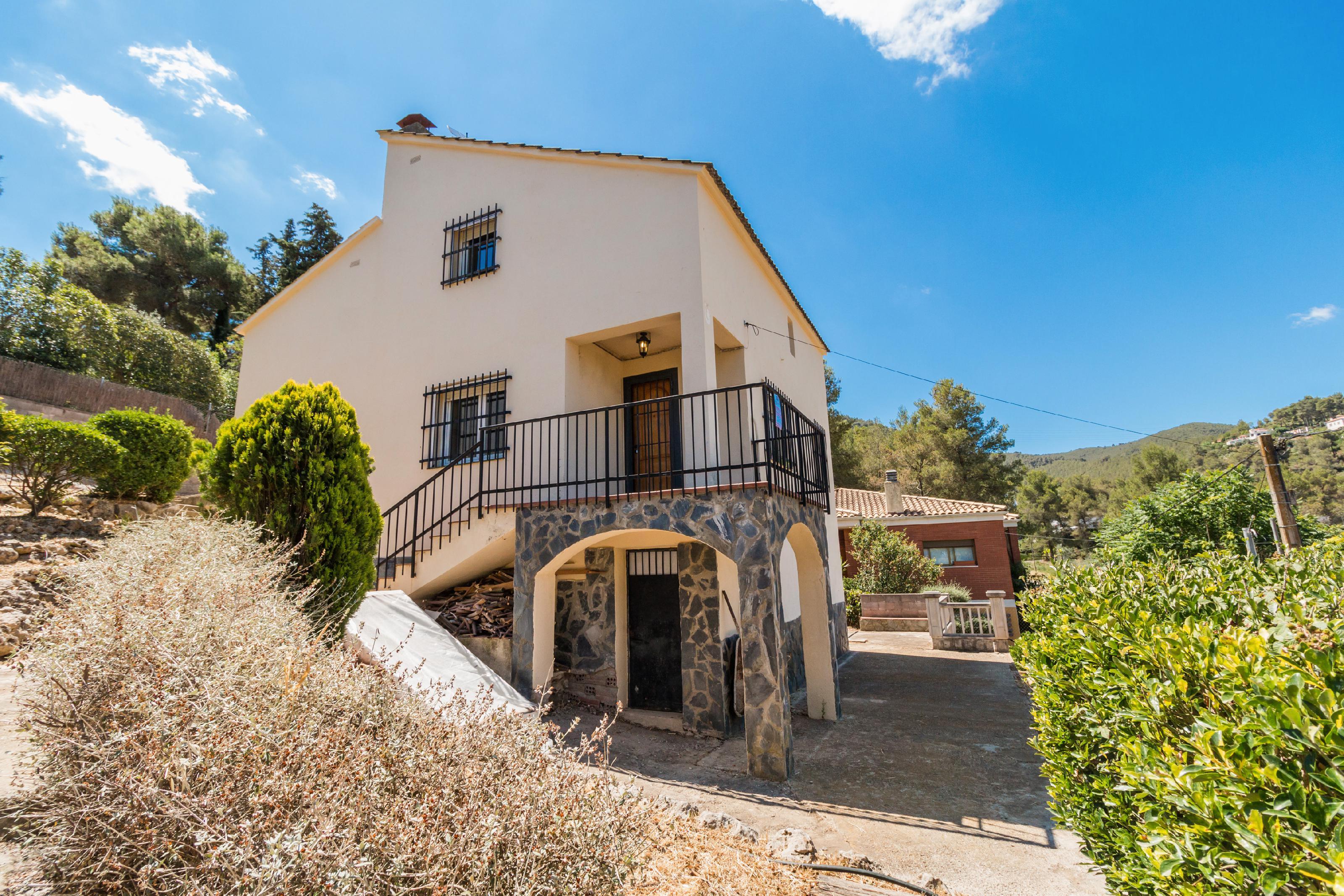 Imagen 2 Casa Aislada en venta en Gelida / Zona Residencial Martivell