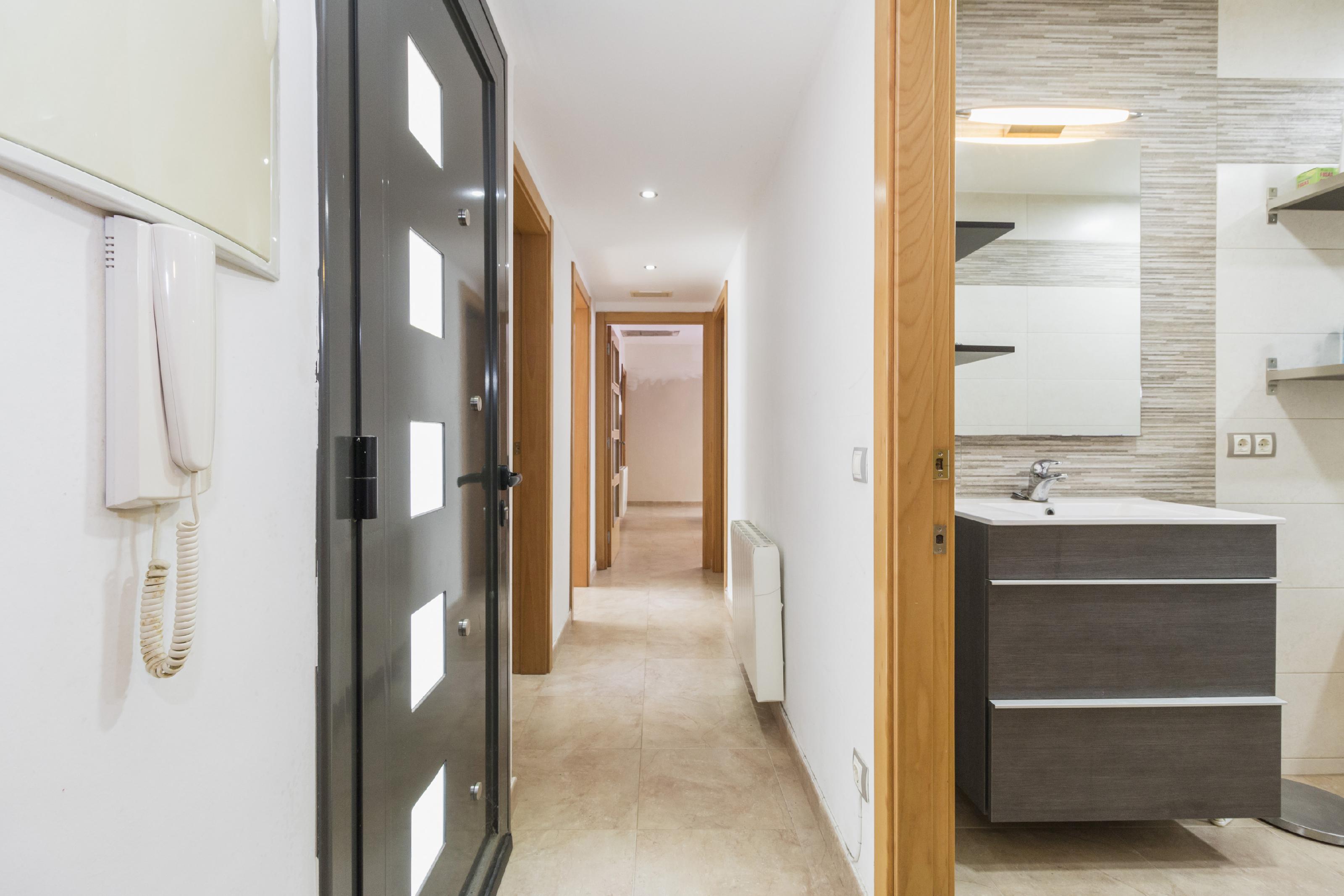 Imagen 3 Casa Aislada en venta en Piera / Urbanización Can Claramunt.
