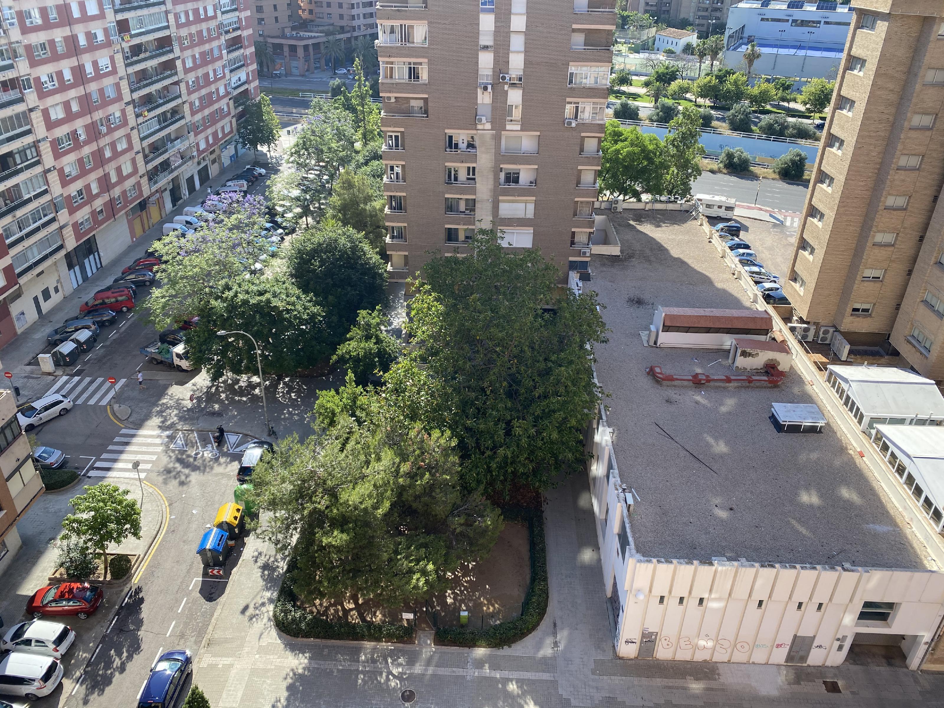 Imagen 2 Piso en venta en Valencia / Junto al Politécnico