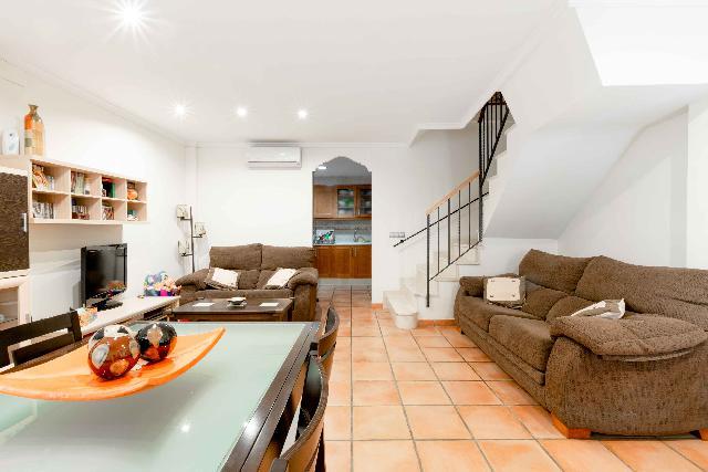 Imagen 1 Inmueble 241157 - Casa en venta en Massanassa / En Masanassa, junto al límite con Catarroja.