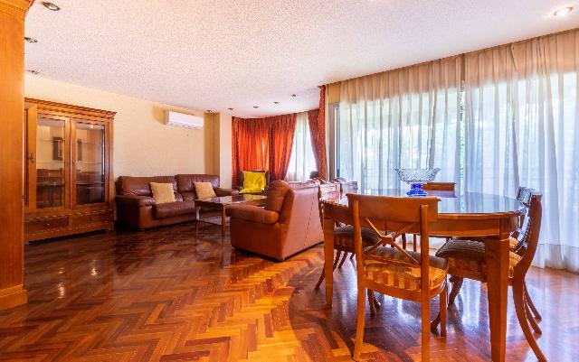 Imagen 1 Inmueble 244301 - Piso en venta en Valencia / Entre las Torres de Quart y el Ivam