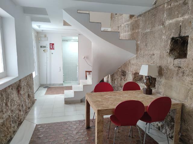 Imagen 1 Inmueble 247004 - Dúplex en alquiler en Valencia / Ciutat Vella, plaza San Nicolas.