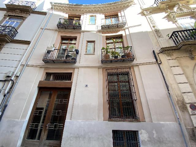 Imagen 1 Inmueble 248454 - Piso en venta en Valencia / Junto a la Plaza Tetuán, casco antiguo de la ciudad