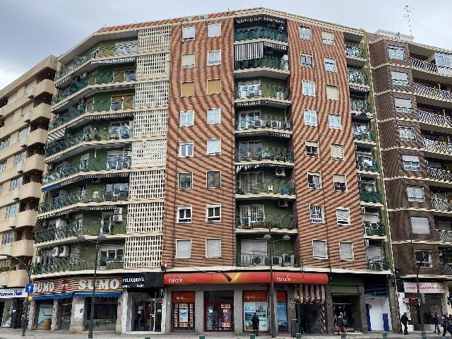 Imagen 1 Inmueble 249913 - Parking Coche en venta en Valencia / Esquina Calle Carcagente, próxima Ave