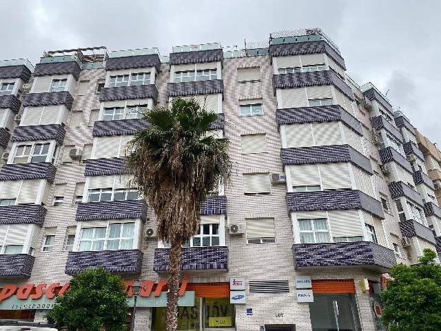 Imagen 1 Inmueble 251006 - Ático en venta en Valencia / Próximo a Salesianos Calle Sagunto y Ronda Norte