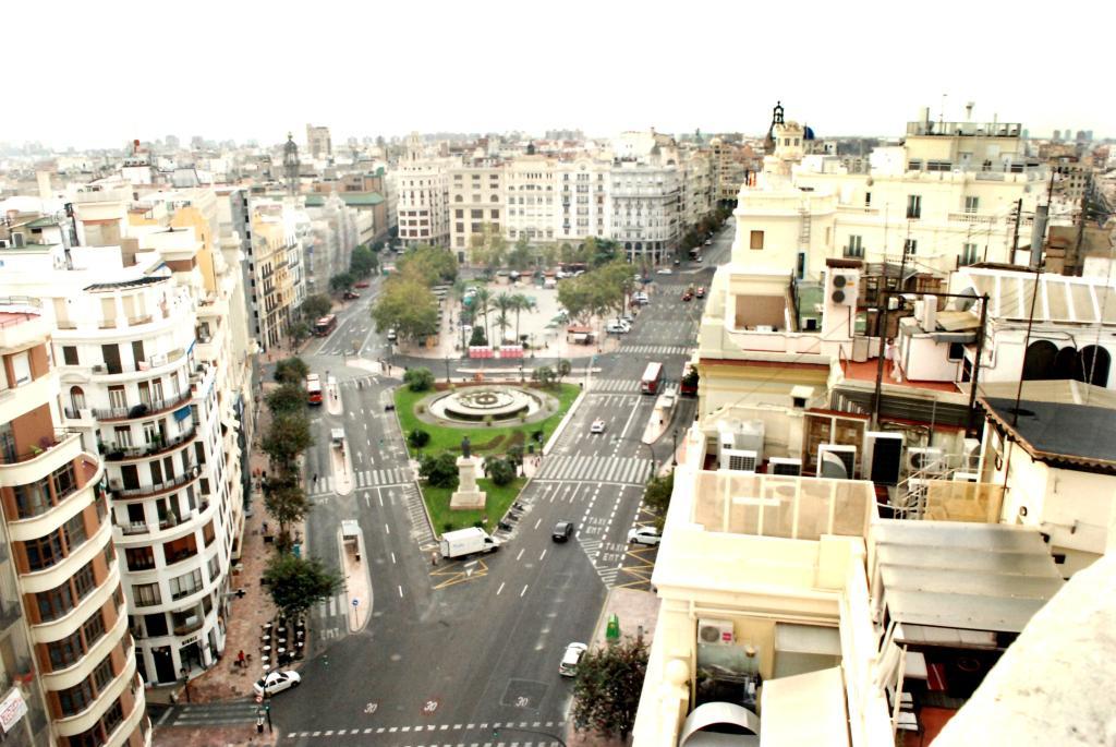 168661 - Plaza del Ayuntamiento junto a calle San Vicente.