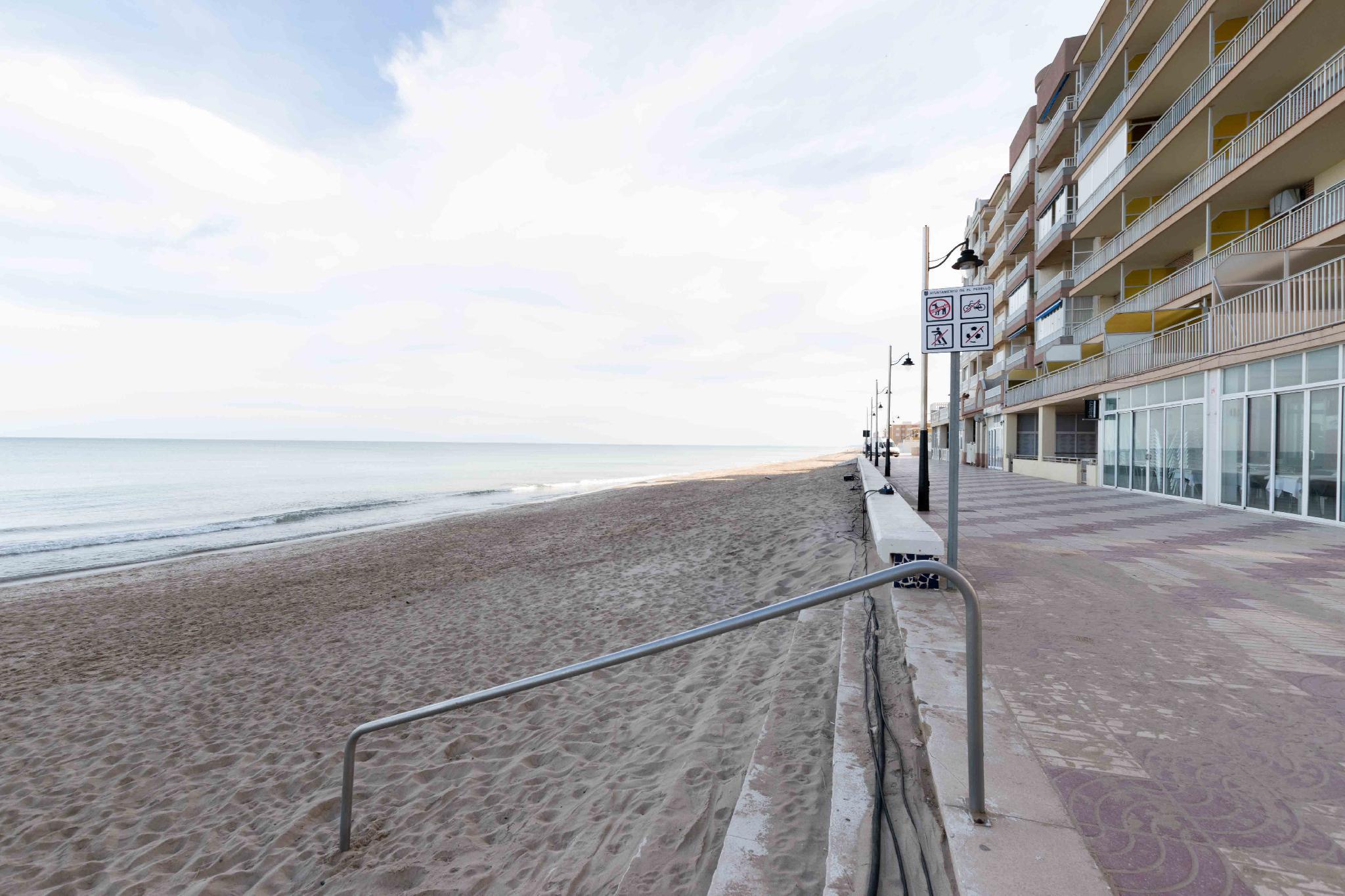 233889 - Playa el Perelló, junto a Consum y colegio el Perelló.