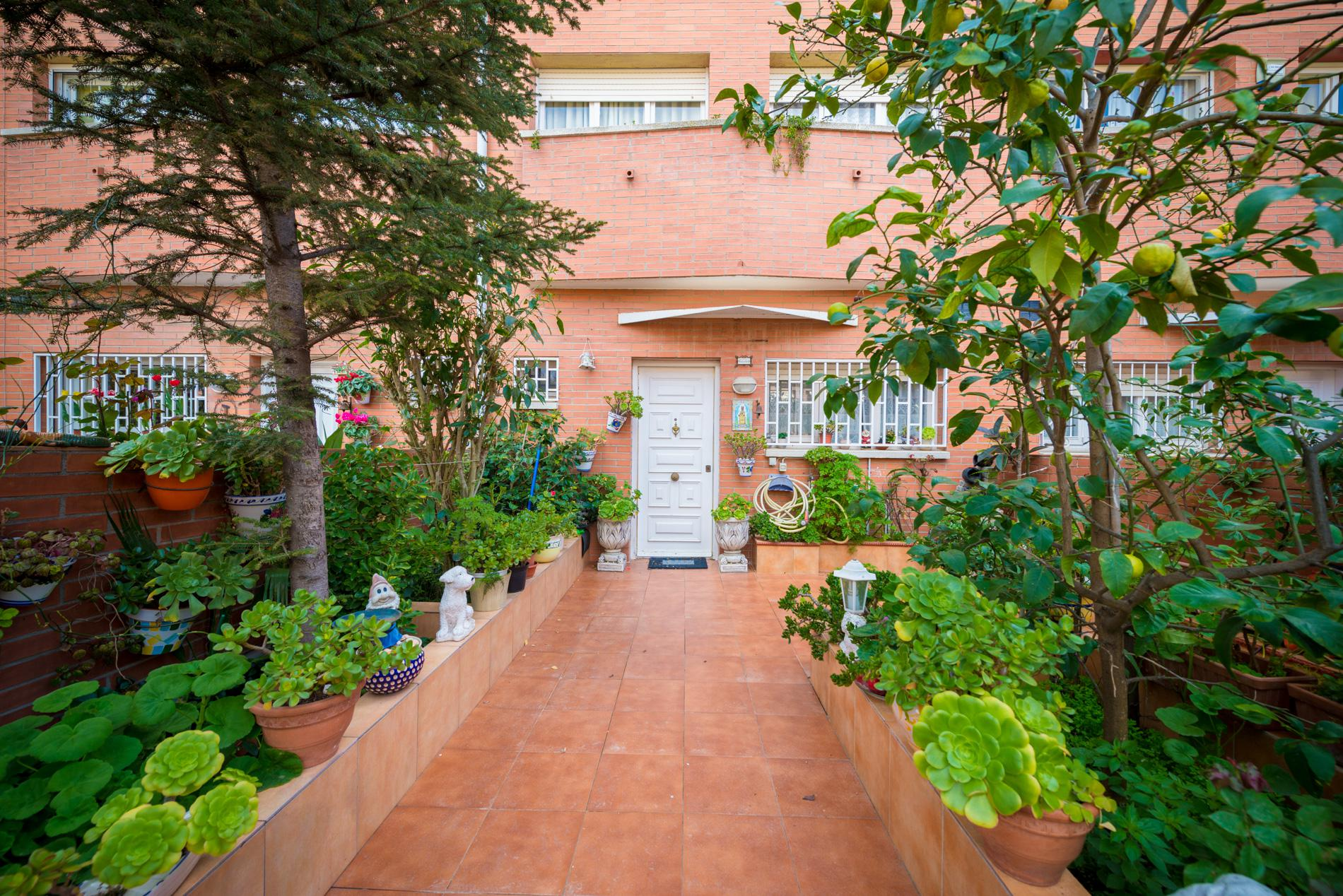 Casa premi de mar barcelona 178934 for Piscina premia de mar