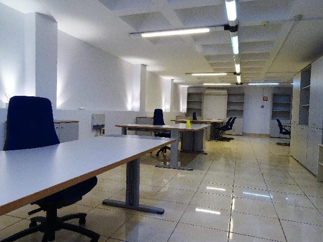 Imagen 1 Inmueble 212588 - Oficina Comercial en alquiler en Palmas De Gran Canaria (Las) / A dos pasos del poligono i...