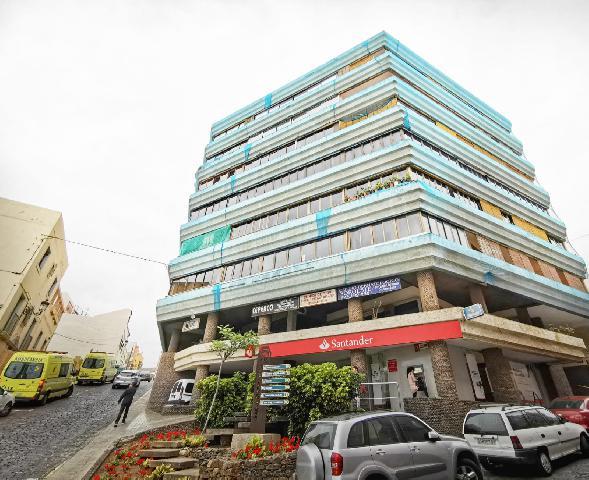 Imagen 1 Inmueble 230679 - Piso en venta en Santa María De Guía De Gran Canaria / Ubicado en el casco, cerca de la iglesia