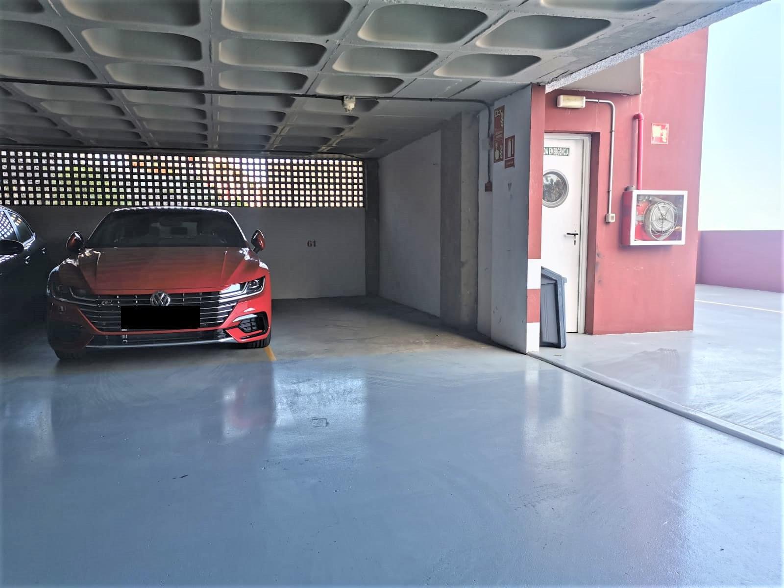 Imagen 3 Parking Coche en venta en Palmas De Gran Canaria Las / Mercado, parque de La Minilla