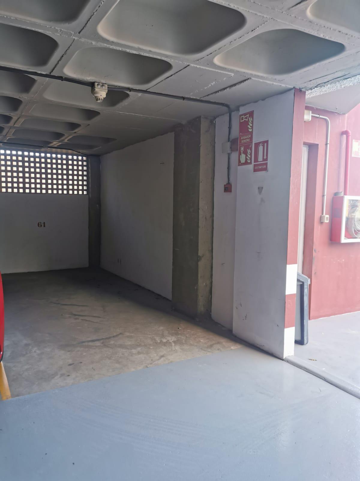 Imagen 4 Parking Coche en venta en Palmas De Gran Canaria Las / Mercado, parque de La Minilla