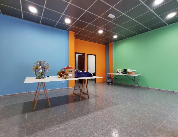 Imagen 1 Inmueble 237200 - Local Comercial en venta en Palmas De Gran Canaria (Las) / A 850 metros del Centro Comerci...
