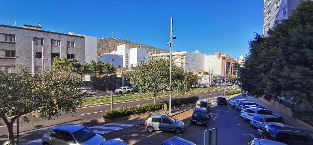 Imagen 1 Inmueble 238740 - Piso en venta en Santa Cruz De Tenerife / Cruz del Señor, a pocos metros parada Tranvia