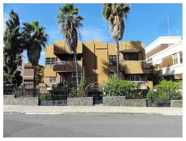 Imagen 1 Inmueble 239430 - Piso en alquiler en Palmas De Gran Canaria (Las) / Zona Altavista, a dos pasos del mercado