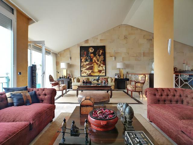 Imagen 1 Inmueble 241846 - Casa en venta en Palmas De Gran Canaria (Las) / Cerca del Estadio Insular