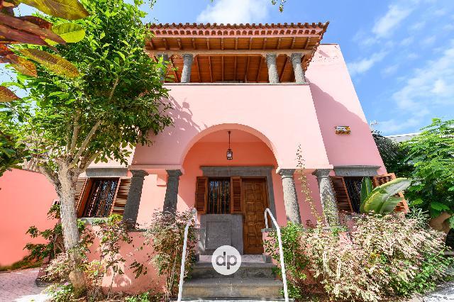 Imagen 1 Inmueble 244678 - Casa en venta en Palmas De Gran Canaria (Las) / En la zona de Ciudad Jardin