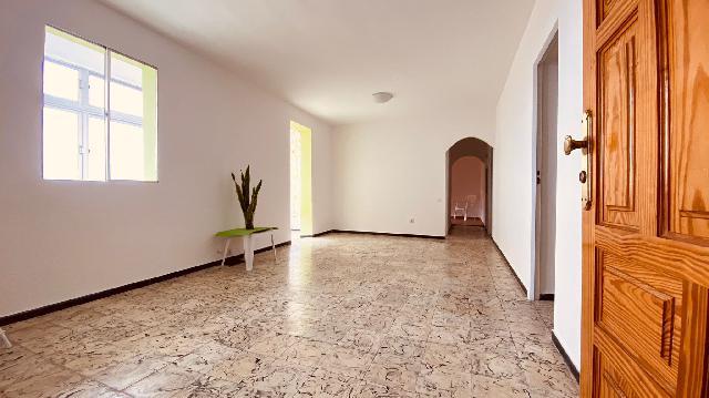 Imagen 1 Inmueble 248904 - Piso en venta en Palmas De Gran Canaria (Las) / A pocos metros del Hospital Insular