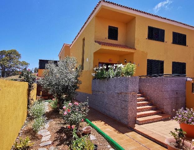 Imagen 1 Inmueble 249635 - Casa en venta en Palmas De Gran Canaria (Las) / A dos pasos del centro comercial Los Alisios
