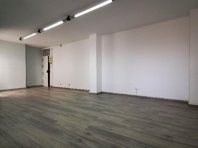 Imagen 1 Inmueble 252303 - Oficina Comercial en alquiler en Palmas De Gran Canaria (Las) / Al lado de las oficinas de...