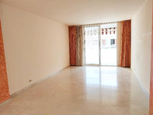 Imagen 1 Inmueble 253187 - Piso en venta en Castelldefels / Plaça l´Esglèsia - Ajuntament