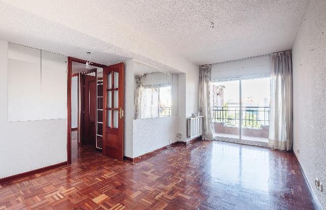 Imagen 1 Inmueble 218835 - Piso en venta en Madrid / López de Hoyos - Pinar del Rey