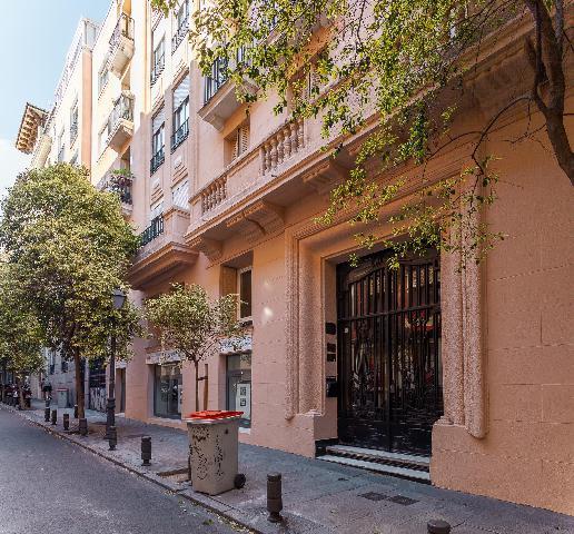 Imagen 1 Inmueble 239044 - Piso en venta en Madrid / Justicia, junto al Teatro Barceló, mejor zona.