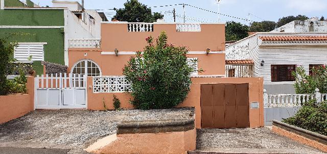 Imagen 1 Inmueble 240297 - Casa Rústica en venta en Arucas / Carretera Los Castillos