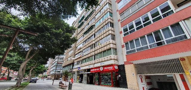 Imagen 1 Inmueble 242038 - Oficina Comercial en venta en Palmas De Gran Canaria (Las) / Al venta local en la Avenida ...