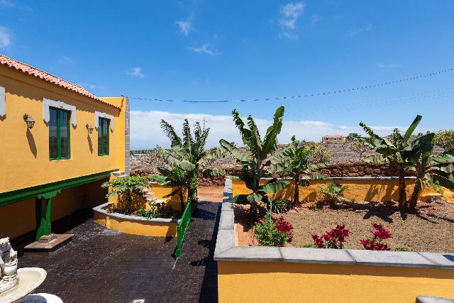 Imagen 1 Inmueble 242497 - Casa Aislada en venta en Santa María De Guía De Gran Canaria / Llanos de Parra