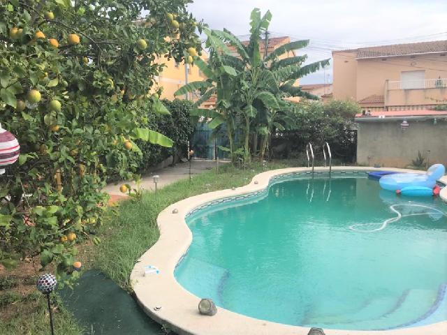 Imagen 1 Inmueble 202487 - Casa Aislada en venta en Vilanova I La Geltrú / Cerca del polideportivo.