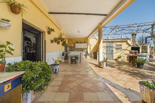 Imagen 1 Inmueble 221027 - Casa en venta en Vilanova I La Geltrú / Junto Centre Cívic de La Collada