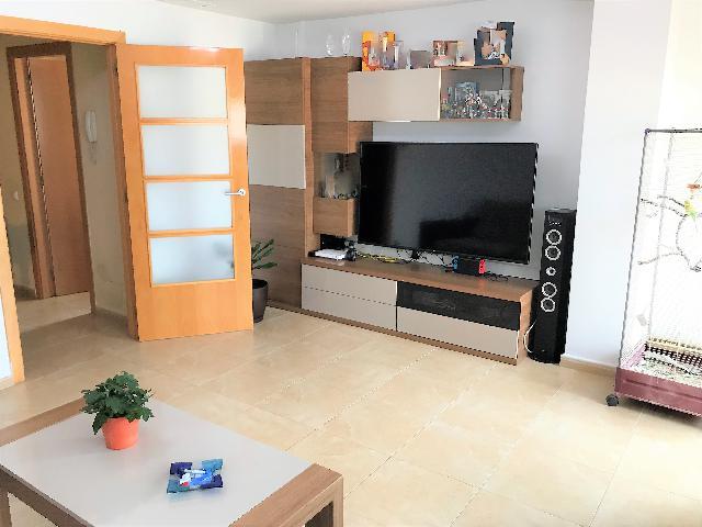 Imagen 1 Inmueble 232618 - Casa Pareada en venta en Cubelles / Cerca del centro del pueblo, 5 minutos caminando.