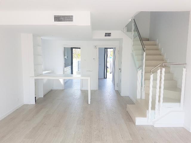 Imagen 1 Inmueble 234659 - Casa Adosada en venta en Vilanova I La Geltrú / Cerca Rambla Sant Jordi