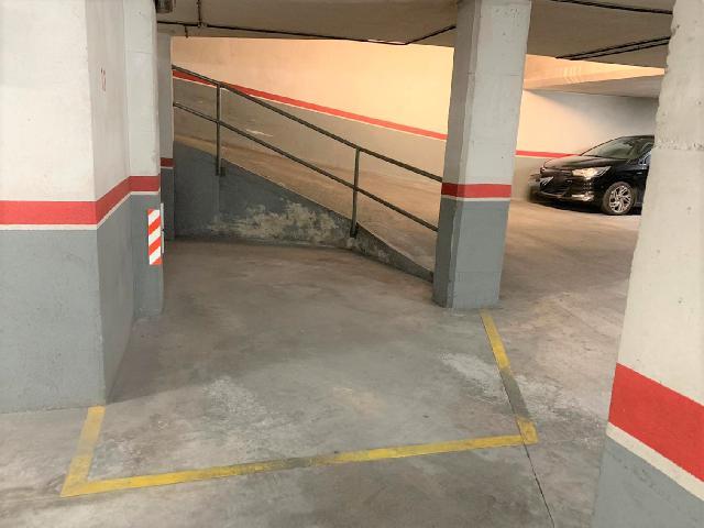 Imagen 1 Inmueble 238764 - Parking Coche en venta en Vilanova I La Geltrú / Junto a Josep Coroleu