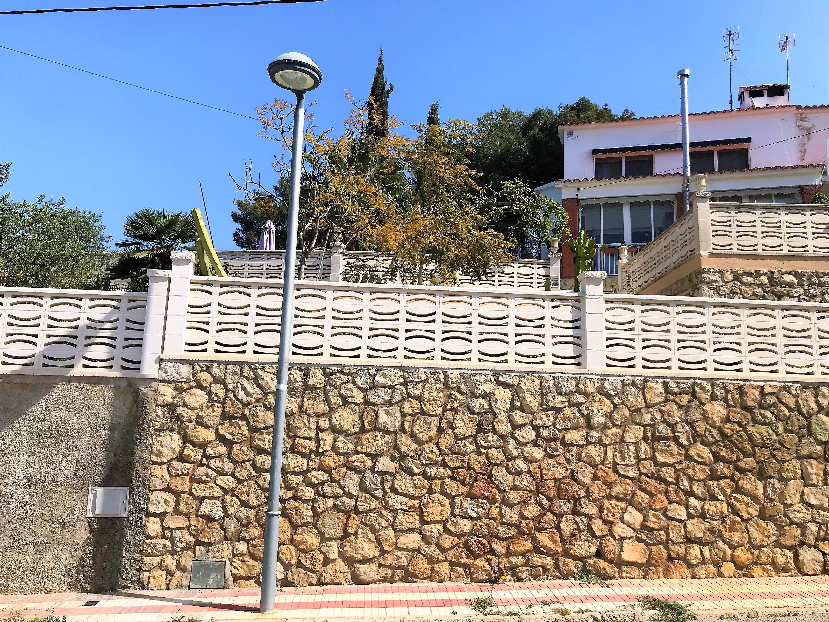 Imagen 2 Casa Adosada en venta en Cubelles / Buena ubicación con excelentes vistas.