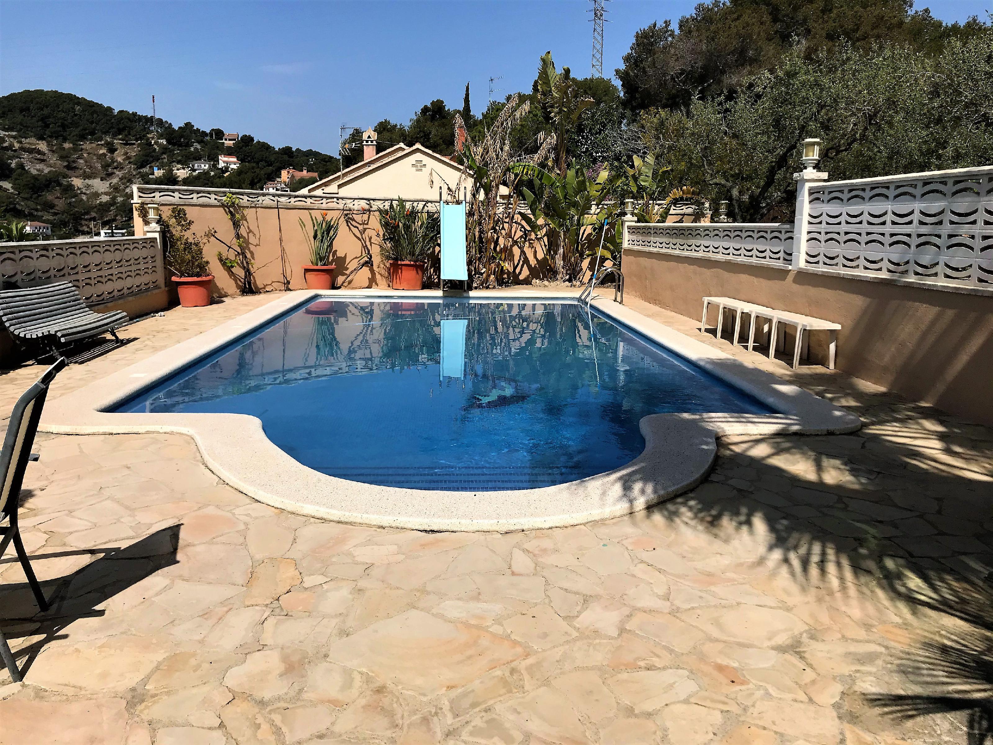 Imagen 1 Casa Adosada en venta en Cubelles / Buena ubicación con excelentes vistas.