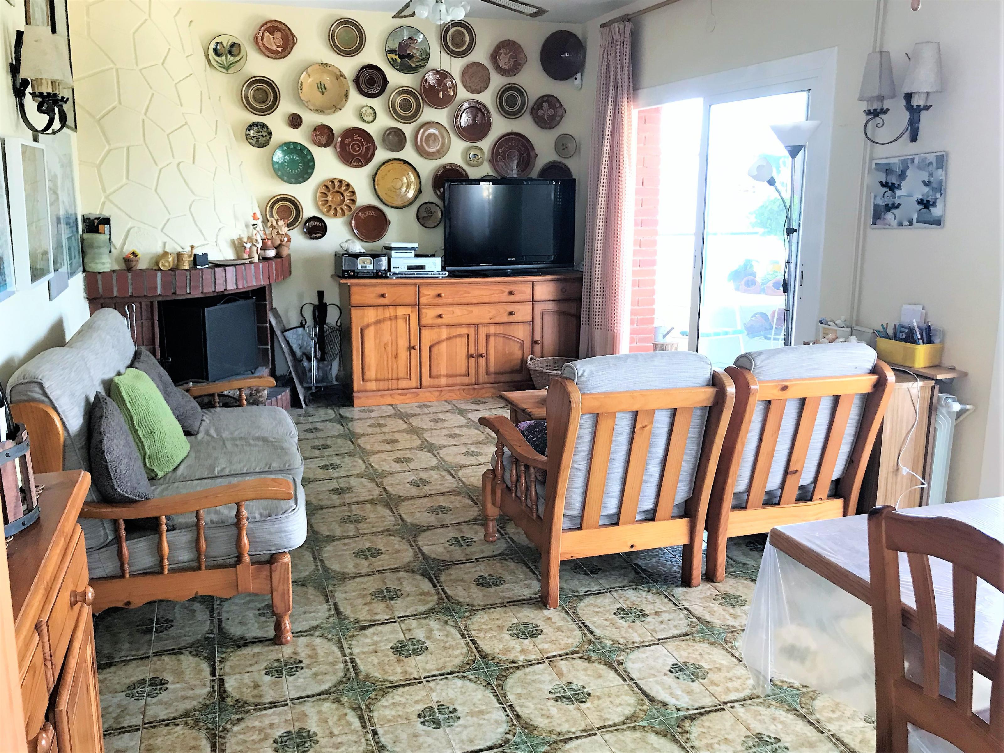 Imagen 3 Casa Adosada en venta en Cubelles / Buena ubicación con excelentes vistas.