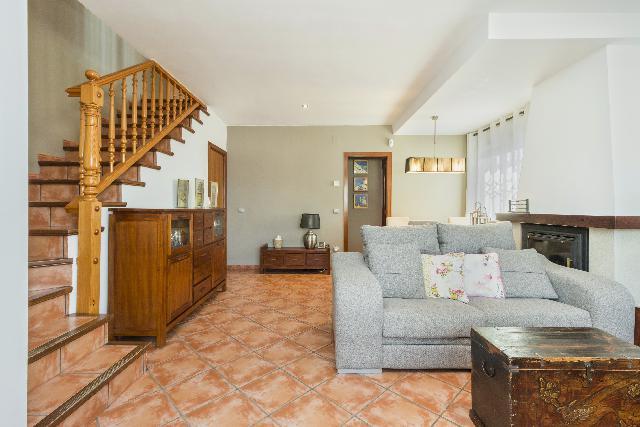 Imagen 1 Inmueble 249176 - Casa Adosada en venta en Vendrell (El) / Cerca del Centro, a 5 minutos en coche a la playa .