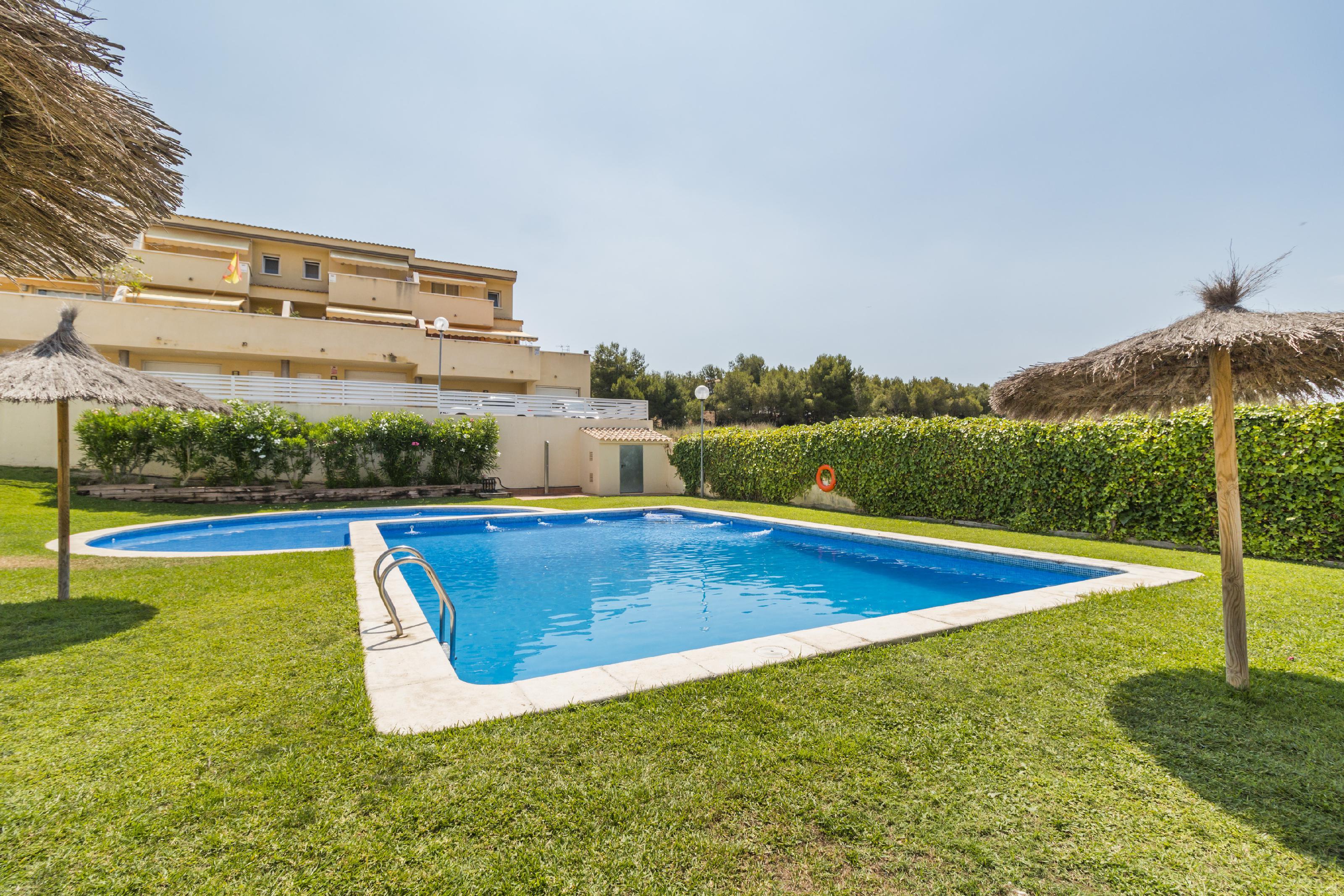 Imagen 2 Casa Adosada en venta en Cubelles / Orientada a Tarragona,  a 3 minutos del pueblo