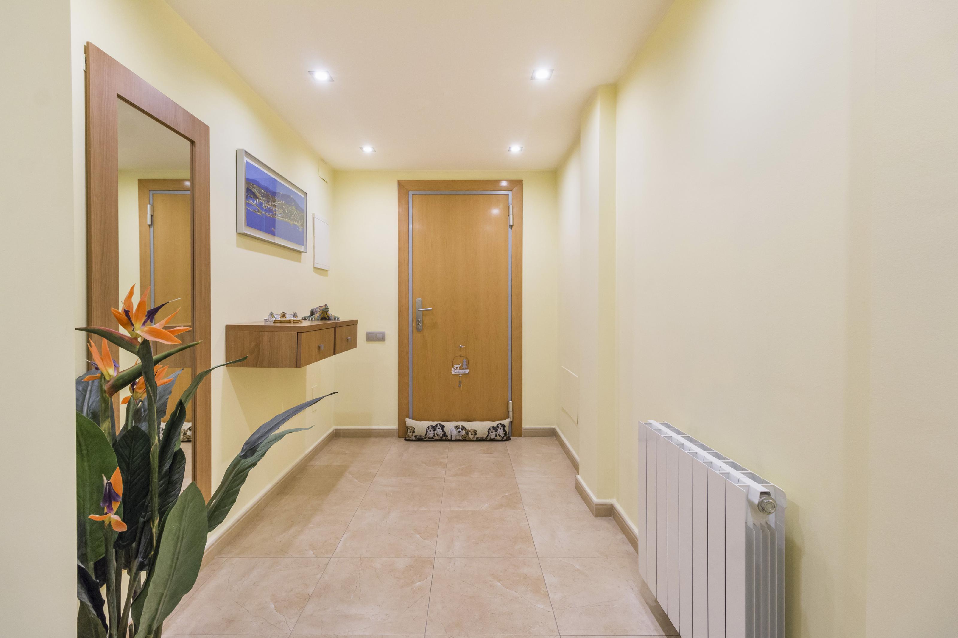 Imagen 3 Casa Adosada en venta en Cubelles / Orientada a Tarragona,  a 3 minutos del pueblo