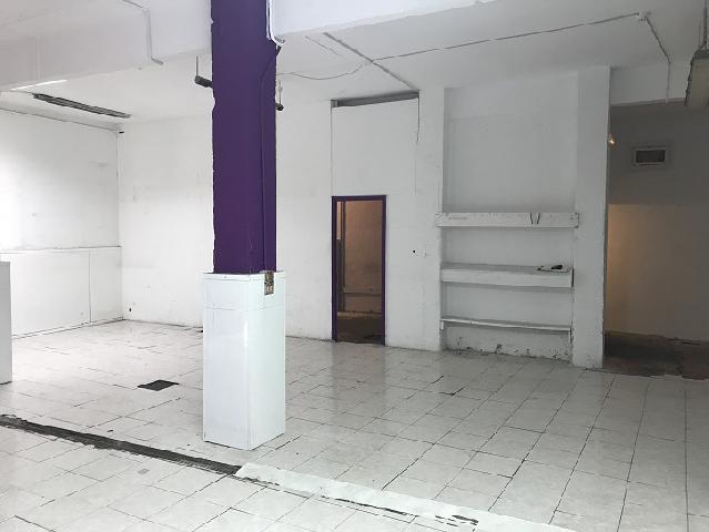 Imagen 1 Inmueble 215851 - Local Comercial en alquiler en Barakaldo / Próximo al polideportivo.