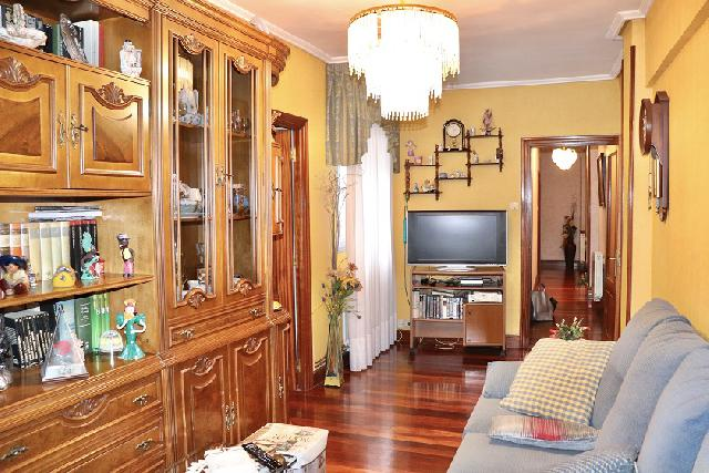Imagen 1 Inmueble 234574 - Piso en venta en Barakaldo / Calle Andikollano