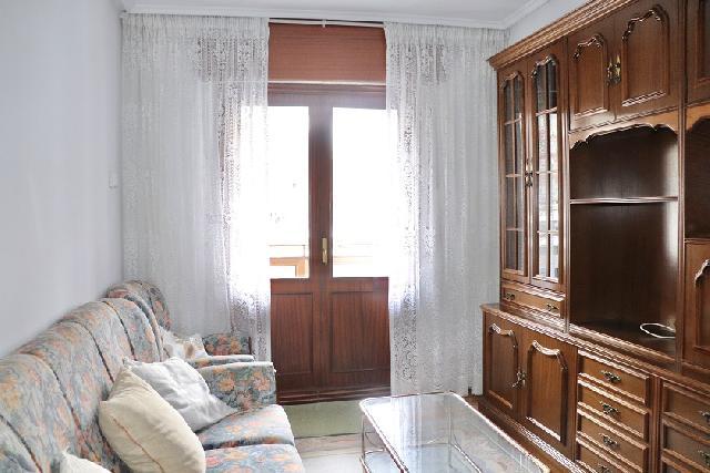Imagen 1 Inmueble 238182 - Piso en venta en Barakaldo / Calle Jacinto Benavente