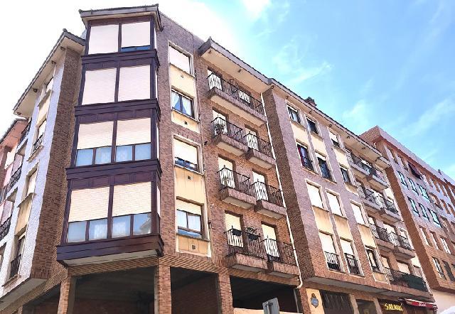 Imagen 1 Inmueble 241391 - Piso en venta en Barakaldo / Calle El Parque