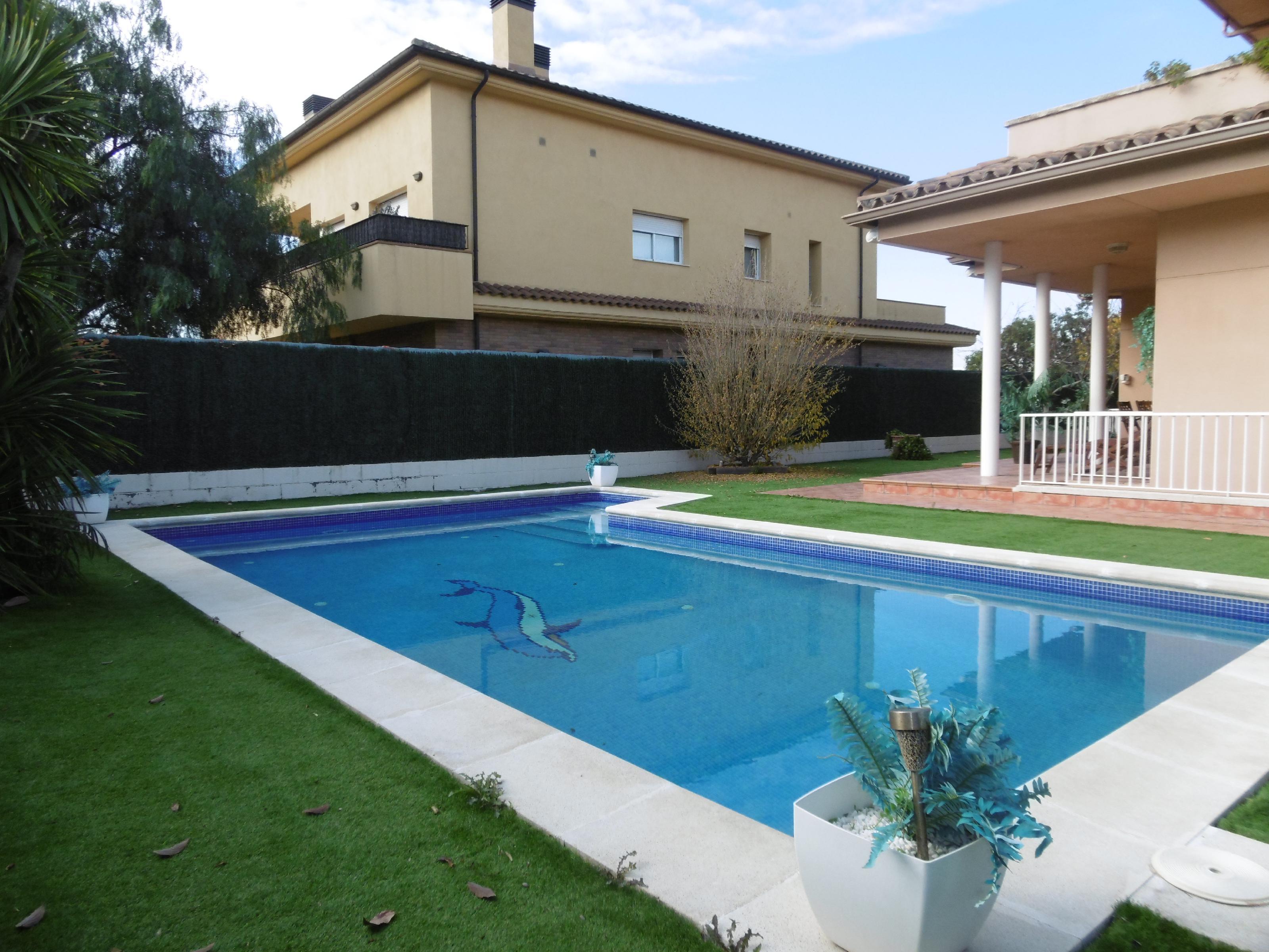 Imagen 2 Casa Aislada en venta en Molins De Rei / Riera Nova Molins