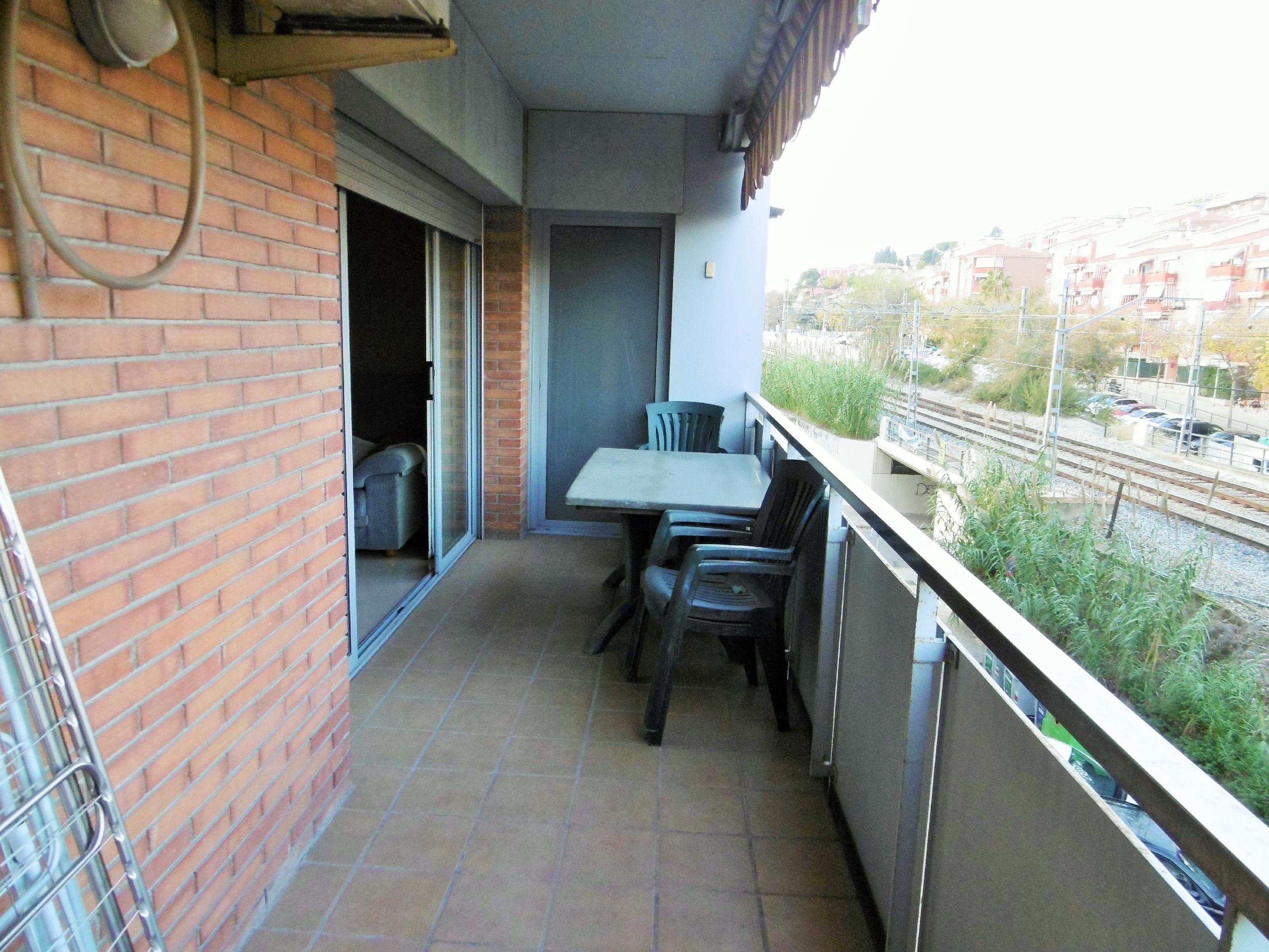 Imagen 3 Piso en venta en Molins De Rei / Muy próximo al parque Mariona.