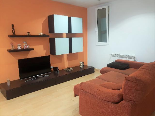 Imagen 1 Inmueble 243978 - Dúplex en venta en Sant Feliu De Llobregat / Muy próximo la centro. Zona poco transitada y...
