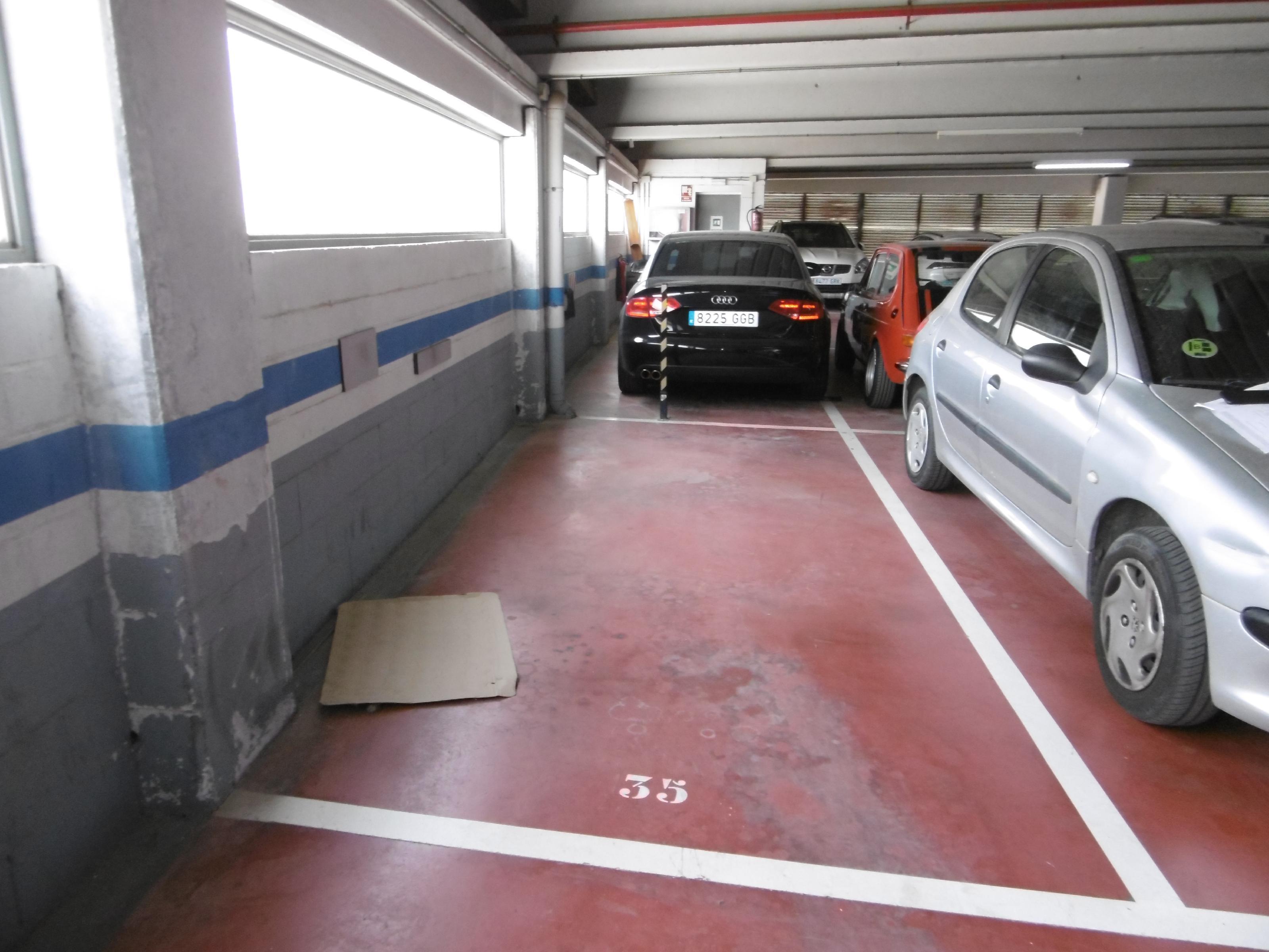Imagen 3 Parking Coche en venta en Sant Feliu De Llobregat / Próximo a  la escuela Monmany S. Feliu